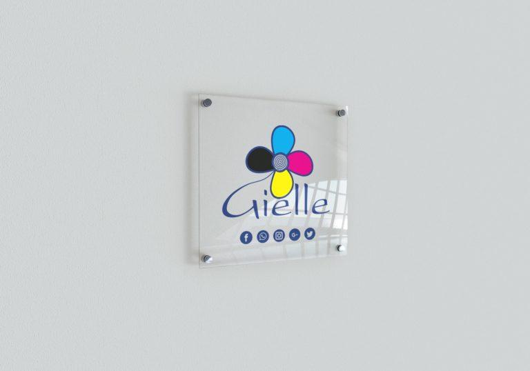 Targa in plexiglass con stampa personalizzata